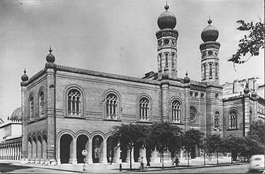 """""""Mesél a múlt – a Dohány utcai zsinagóga elmúlt fél évszázada"""""""