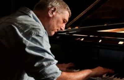 Izrael egyik legnevesebb jazz zongoristája Budapesten lép fel
