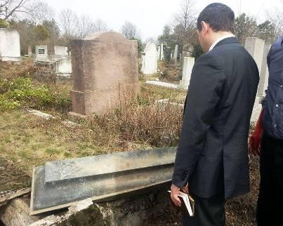Rendhagyó önkéntes program szerveződik a gyöngyösi zsidó temető rendbetételéért