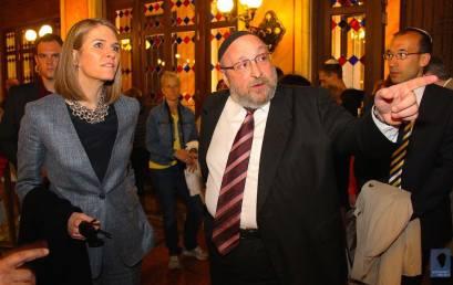 A Dohány és a Rumbach zsinagógát is megtekintette az Egyesült Államok budapesti nagykövete