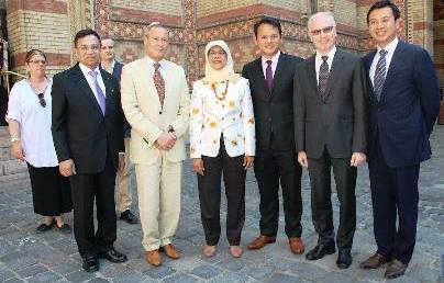 Szingapúri vendégeket fogadott a BZSH elnöke
