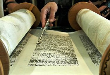 Bösálách (בְּשַׁלַּח) hetiszakaszunk és ami mögötte van