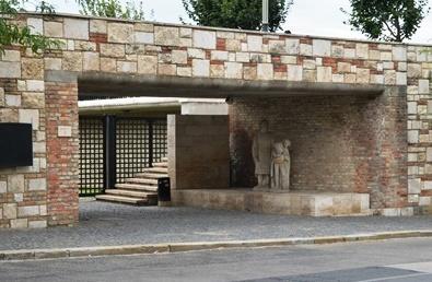 Megnyitották a budai Várban található középkori mikvét