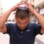 """""""Mindenkin egy kippa"""" kampányt hirdettek a francia zsidóság támogatásáért"""
