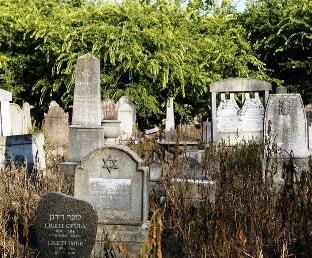 A rabbi válaszol: ha valaki elhagyta ősei hitét, eltemethető-e a zsidó temetőben?