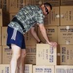 Csaknem 12000 kilogramm kóser macesz érkezett Pészachra!