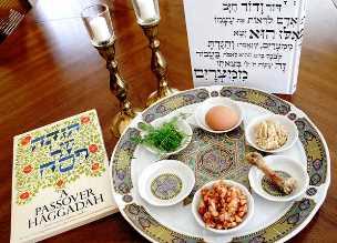 Békés Szombatot és Boldog Pészachot kívánunk!