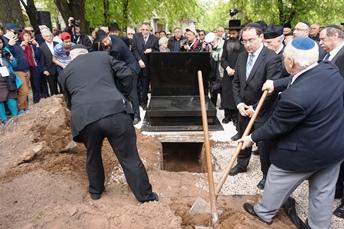 Eltemették a Margit hídnál talált emberi maradványokat