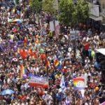 Kétszázezren vonultak utcára a büszkeség napi felvonuláson Tel-Avivban