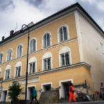Lerombolhatják Hitler szülőházát Braunauban