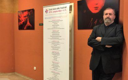 Megnyílt Mandur László holokauszt témájú fotókiállítása a Bálint Házban