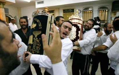 Új hét az újrakezdés jegyében: Szimchát Tora (שמחת תורה)
