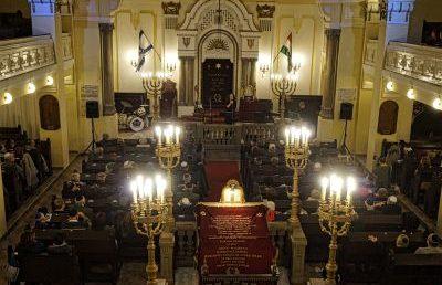 Ezúttal a Hegedűs zsinagógában koncerteztek a zuglói zsinagóga megsegítéséért