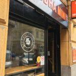 Miért van mezüze a Wesselényi utcai Thai étterem bejáratánál?