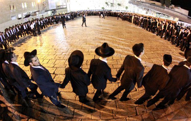 Vasárnap ér véget Pészach, de rögtön Iszru Chágot ünnepeljük