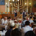 Lág Báomert ünnepelték a Síp utcában