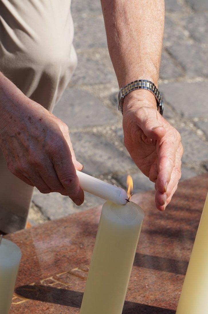 A Holokauszt 73. évfordulójára emlékeztek az Emanuel fánál