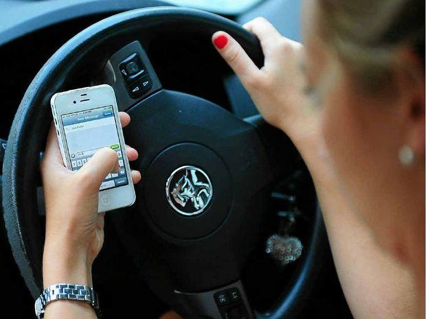 Miért nem telefonálunk az autóban Sábeszkor? – Frölich Róbert országos főrabbi aktuális írása