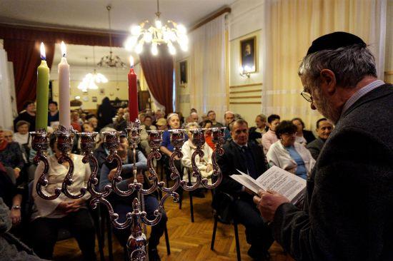 Nagy sikert aratott a hanukai ünnepség Újpesten