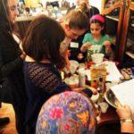 A gyerekek is megismerkedhettek Pészach ünnepével a Dózsa zsinagógában