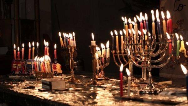 Békés Szombatot és továbbra is Boldog Hanukát kívánunk!