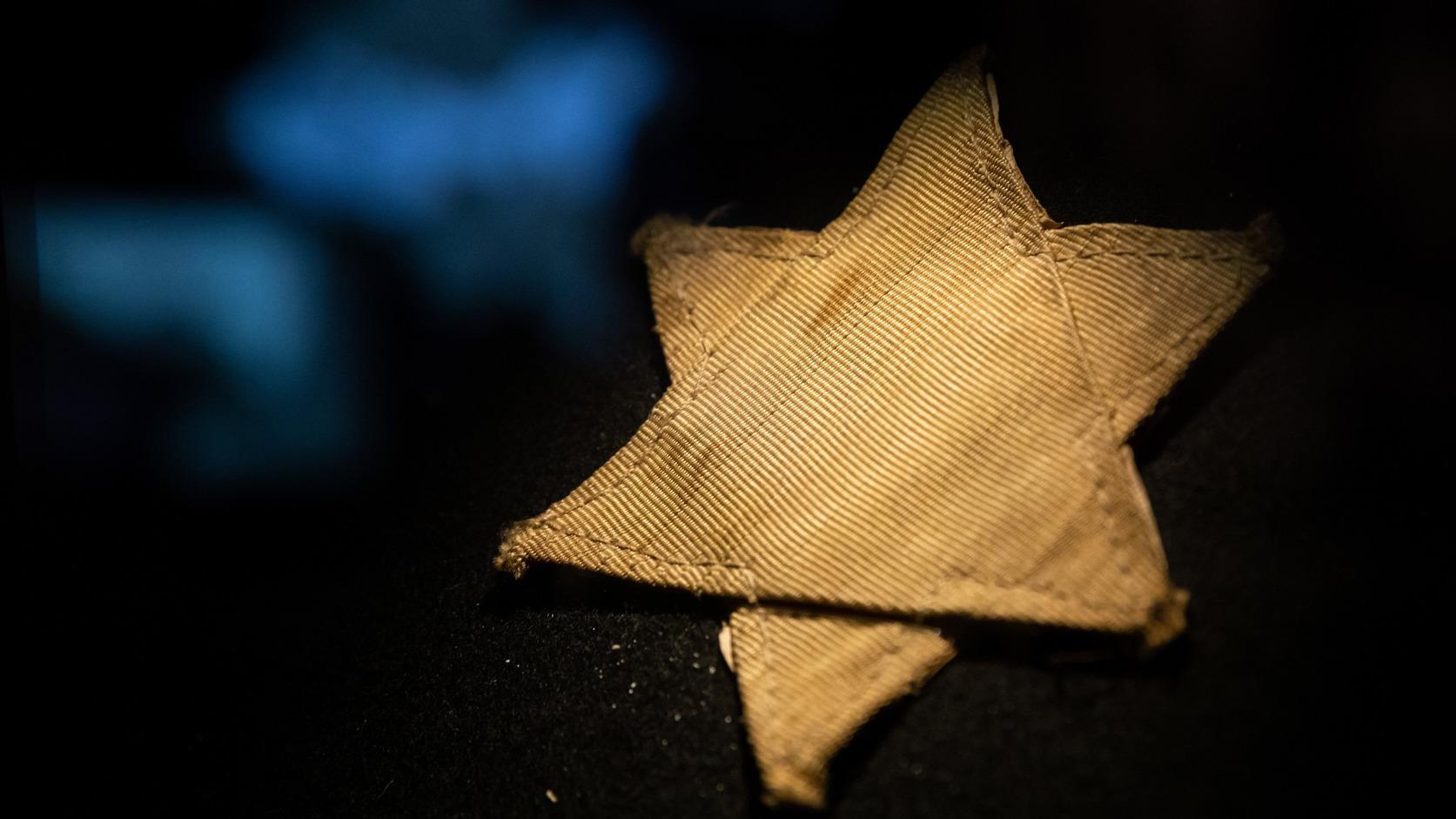 Hetvenöt éve ezen a napon kellett kitűzni a sárga csillagot