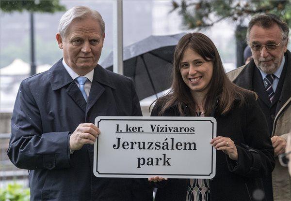 Átadták a Jeruzsálem parkot Budapesten