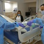 A koronavírussal fertőzöttek száma közelít az ezerhez Izraelben