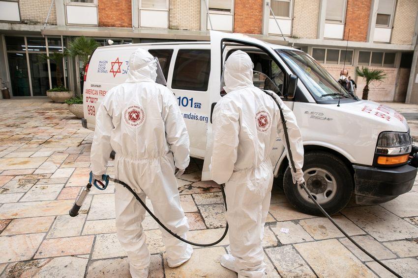 Átlépte az ezret a vírus fertőzöttek száma Izraelben