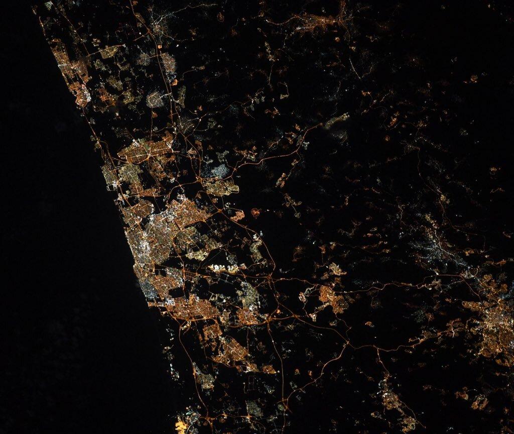 A vírus miatt kihalt Tel-Avivról posztolt képet az űrből a zsidó űrhajós