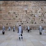 Korlátozott létszámban mondtak áldást a kohaniták a Siratófalnál (Videóval)