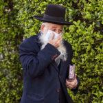 Enyhítenek a járvány miatti korlátozásokon Izraelben