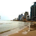 Kinyitottak a zsinagógák és a strandok Izraelben