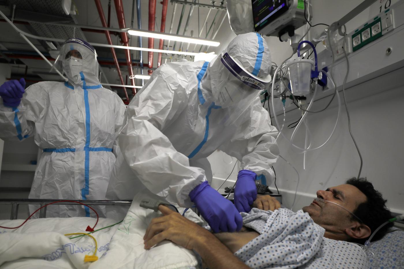 Koronavírus: újabb negatív csúcsot döntött a járvány Izraelben