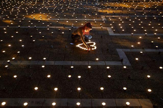 Huszonötezer gyertya éget Jitzhák Rabin emlékére
