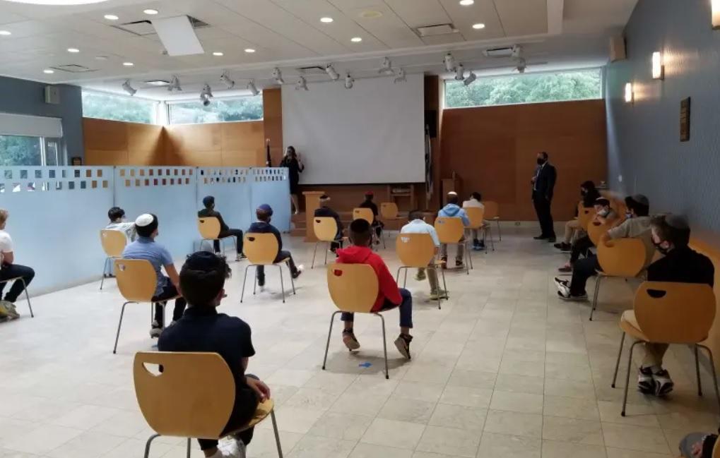 A fertőzöttek számának növekedése ellenére nyithatnak az iskolák Izraelben