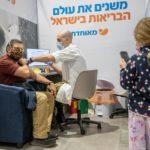 Egy izraeli tanulmány szerint a beoltott emberek ritkábban adják át a koronavírust