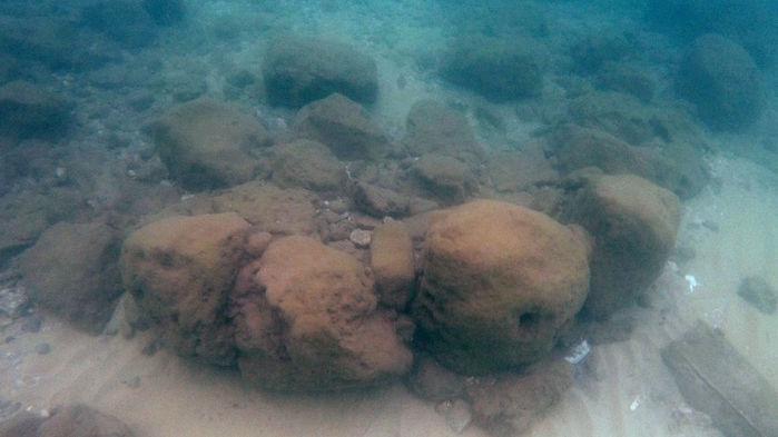 Hétezer éves emelkedő tengerszinttől védő kőfalat találtak Izraelben