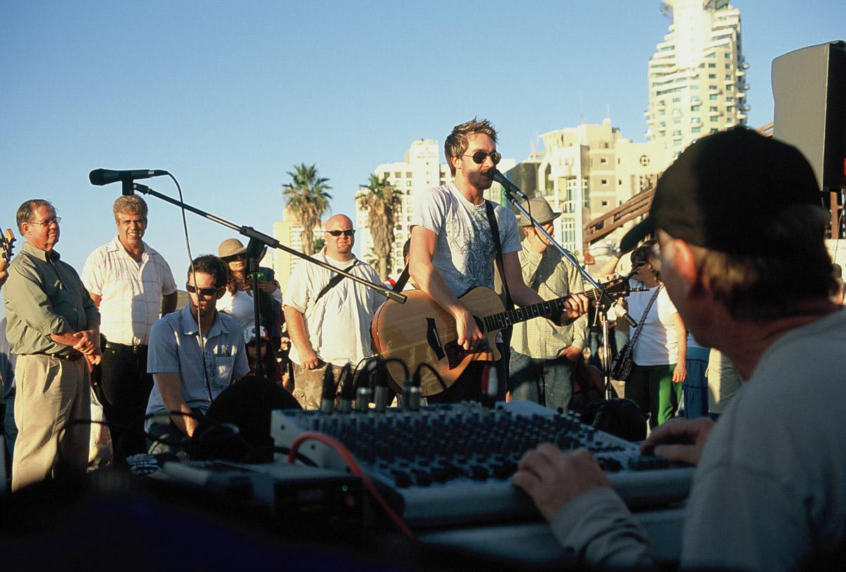 """Aki be van oltva koncerttel kezdhet """"új életet"""" Tel-Avivban"""