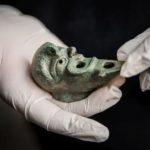 Ezerkilencszáz éves bronzolajlámpát találtak Jeruzsálemben