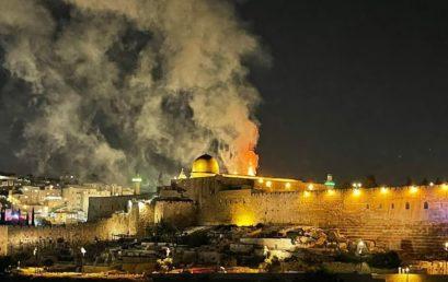 Rakétaháborúval telt az éjszaka Izraelben