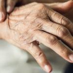 Izraeli kutatók azonosították a Parkinson-kór egyik fő okát