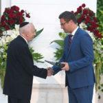 A Magyar Érdemrend tisztikeresztje kitüntetésben részesült Kardos Péter főrabbi