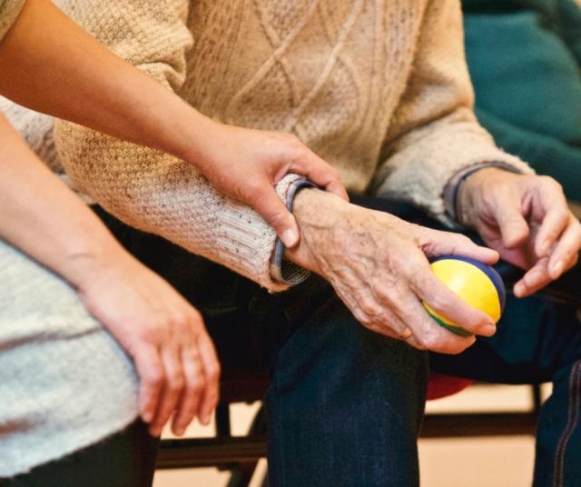 Gondozó-ápolót keres a BZSH Újpesti Idősek Otthona